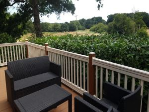 Hazel Holiday Caravan Rental at Oakdene Forest Park near to Ringwood - 2 Bedrooms - Sleeps 4