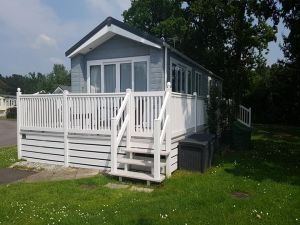 Tulip Holiday Caravan Rental at Oakdene Forest Park near to Ringwood - 2 Bedrooms - Sleeps 6